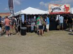 Perdenales brewers and volunteers talk up  festival-goers
